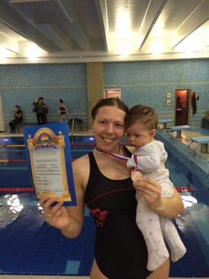 Поздравляем Ирину Гаврилову с 3 местом по плаванию брасс, детский инструктор школы капоэйра Камара.